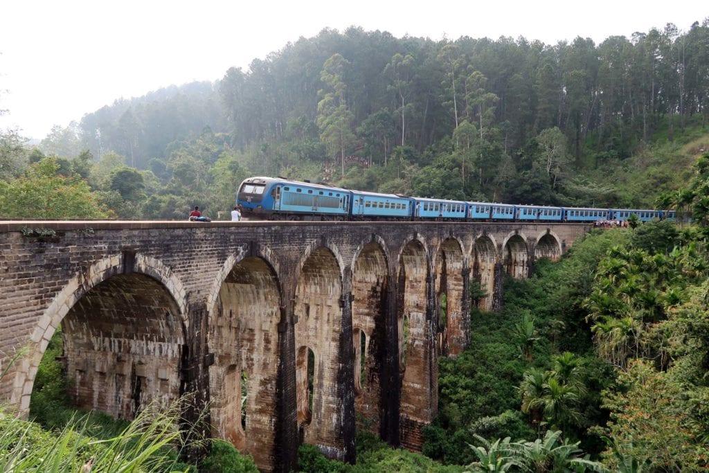 Eisenbahnromantik – auf den Schienen durch Sri Lanka